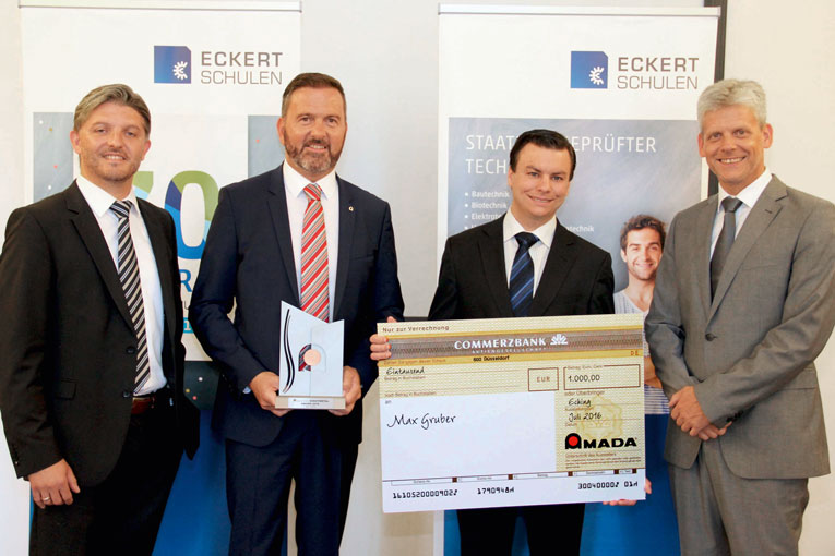 The year's most distinguished graduate Max Gruber (second from right) with Carsten Seefelder, Head of the Mechanical Engineering department, Rainer Freudlsperger, General Manager Sales South-East Germany AMADA, and Markus Johannes Zimmermann, Managing Director of the Dr. Eckert Akademie (from left to right).