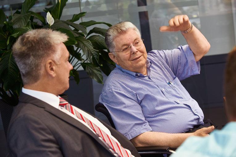 Discussion between experts: Managing Director Karl Weisshaar (right) and Herbert Nowak, AMADA Sales Representative.